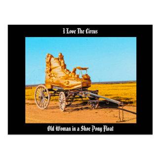¡Amo el circo! Mujer en postal del flotador del