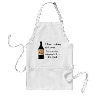 Amo el cocinar con el delantal del vino