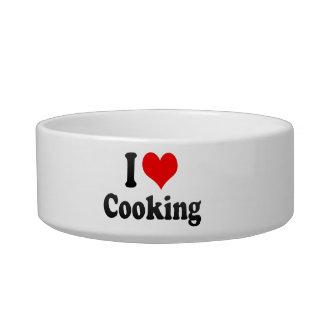 Amo el cocinar tazones para comida para gato