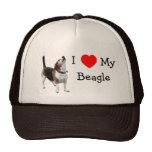Amo el corazón mi gorra lindo del perro del beagle