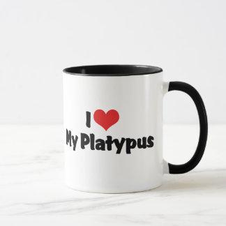 Amo el corazón mi Platypus Taza