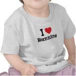 Amo el correr del personalizado del corazón person camiseta