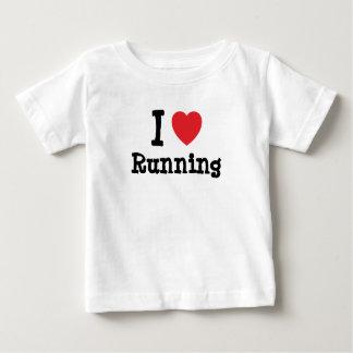 Amo el correr del personalizado del corazón playeras