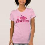 Amo el coser de la camiseta