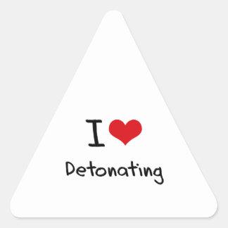 Amo el detonar pegatina triangular