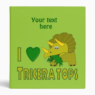 Amo (el dinosaurio lindo del Triceratops del coraz