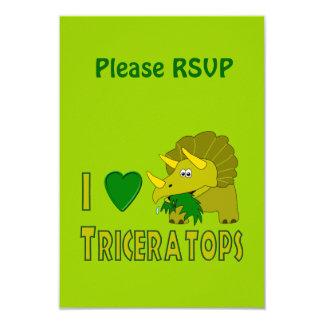 Amo (el dinosaurio lindo del Triceratops del Invitacion Personalizada