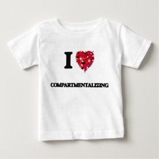 Amo el dividir en compartimientos tee shirt
