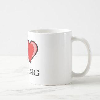 Amo el encajonar taza de café