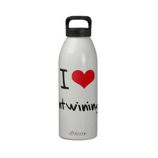 Amo el entrelazar botella de beber