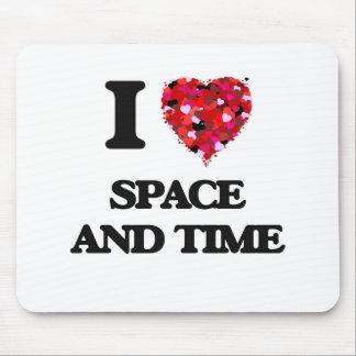 Amo el espacio y mido el tiempo tapetes de ratón