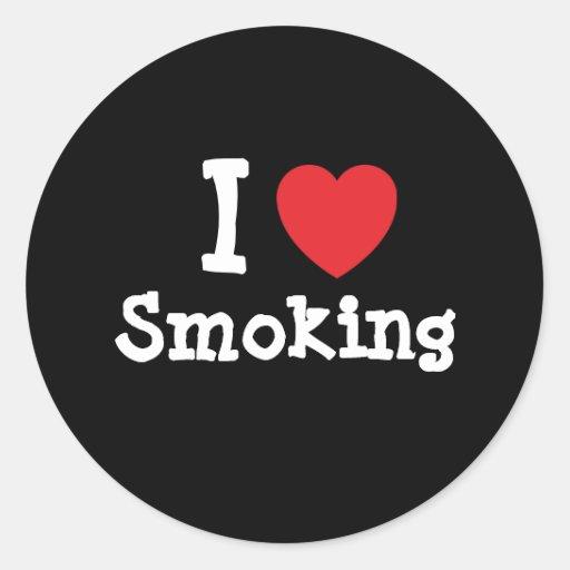 Amo el fumar del personalizado del corazón pegatina redonda