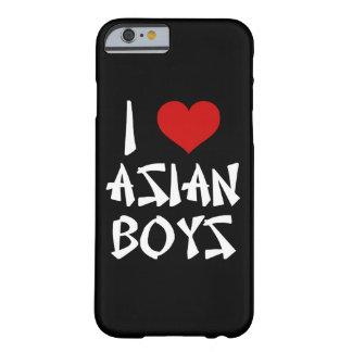 Amo el iPhone asiático 6/6s de los muchachos Funda Para iPhone 6 Barely There