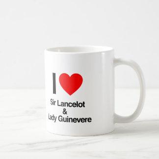 amo el lancelot del sir y el guinevere de la taza clásica
