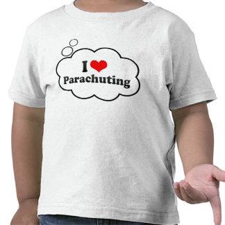 Amo el lanzarme en paracaídas camisetas