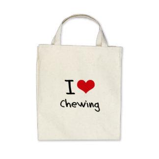 Amo el masticar bolsas
