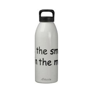 Amo el olor de Bondo por la mañana Botella De Agua