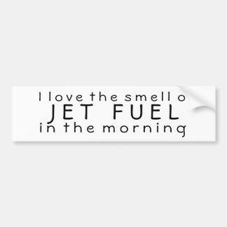 Amo el olor del combustible de avión por la mañana etiqueta de parachoque