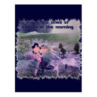 ¡Amo el olor del napalm por la mañana! Tarjeta Postal