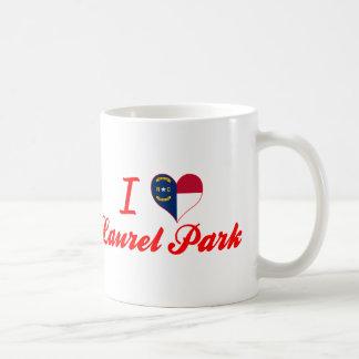 Amo el parque del laurel, Carolina del Norte Taza Clásica