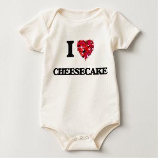 Amo el pastel de queso traje de bebé