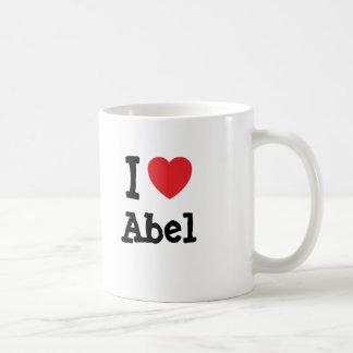 Amo el personalizado del corazón de Abel Taza Clásica