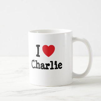 Amo el personalizado del corazón de Charlie Taza Básica Blanca