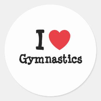 Amo el personalizado del corazón de la gimnasia etiqueta redonda