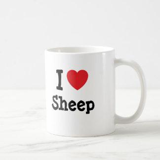 Amo el personalizado del corazón de las ovejas per taza