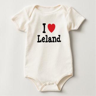 Amo el personalizado del corazón de Leland Traje De Bebé