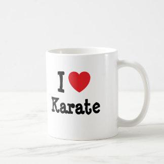 Amo el personalizado del corazón del karate taza clásica