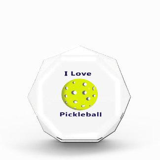 Amo el pickleball w ball.png amarillo