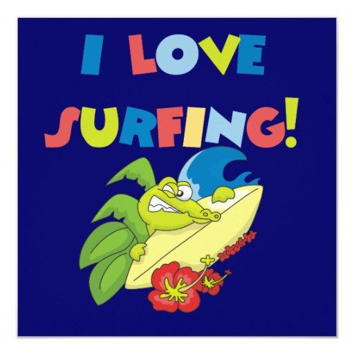 Amo el practicar surf de las camisetas y de los invitacion personal