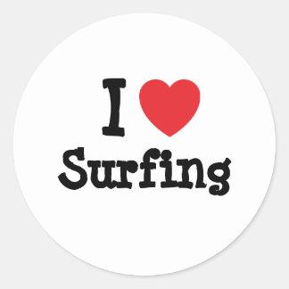 Amo el practicar surf del personalizado del pegatina redonda