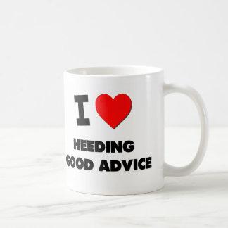 Amo el prestar atención de buen consejo taza de café