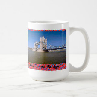 Amo el puente de la torre taza básica blanca