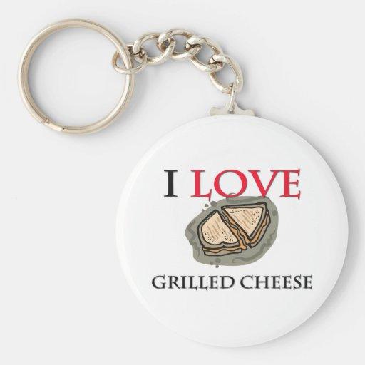 Amo el queso asado a la parrilla llaveros