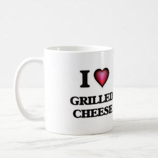 Amo el queso asado a la parrilla taza de café