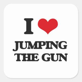 Amo el saltar del arma pegatina cuadrada