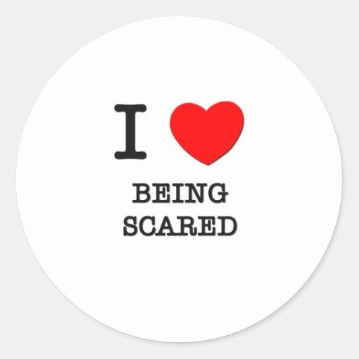 Amo el ser asustado pegatina redonda