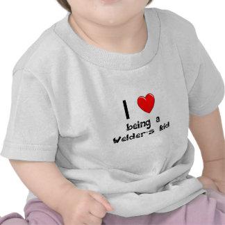 Amo el ser camiseta del niño de un soldador