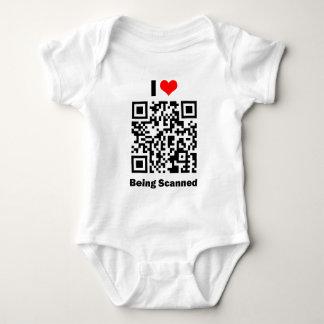 Amo el ser camiseta explorada del bebé remera