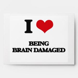 Amo el ser cerebro dañado sobres
