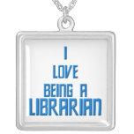"""""""Amo el ser collar bibliotecario"""""""