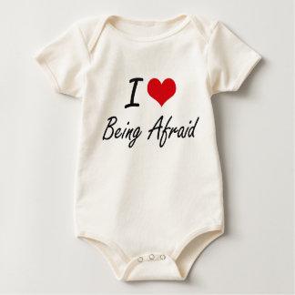 Amo el ser diseño artístico asustado body de bebé