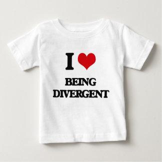 Amo el ser divergente camisetas
