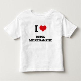 Amo el ser melodramático t-shirts