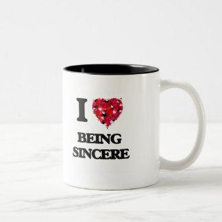 Amo el ser sincero taza de dos tonos