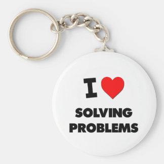Amo el solucionar de problemas llavero redondo tipo pin