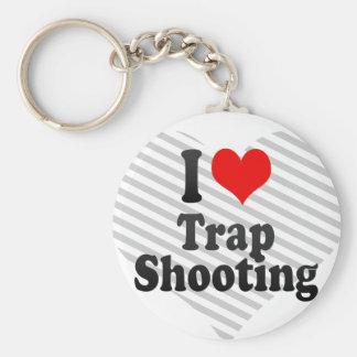 Amo el tiroteo de trampa llavero redondo tipo pin